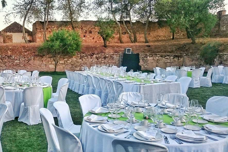 Quinta la Encarnación, montaje de mesas para boda